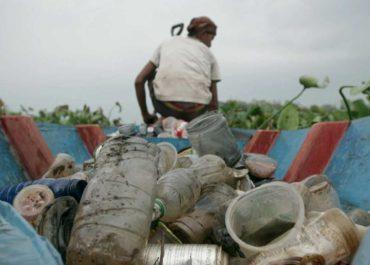 La noche temática 'La noche temática' denuncia las consecuencias de la escasez de agua